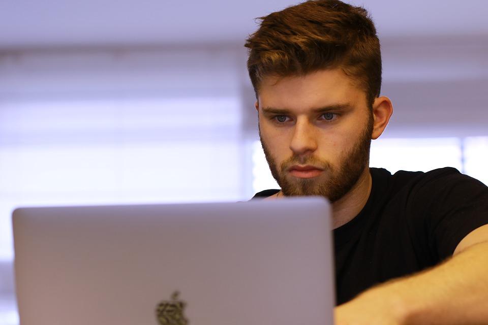 Como estudar por videoaula